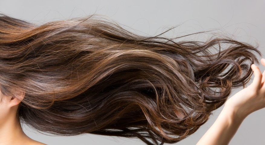przyczyny łysienia u kobiet_codziennik kosmetyczny