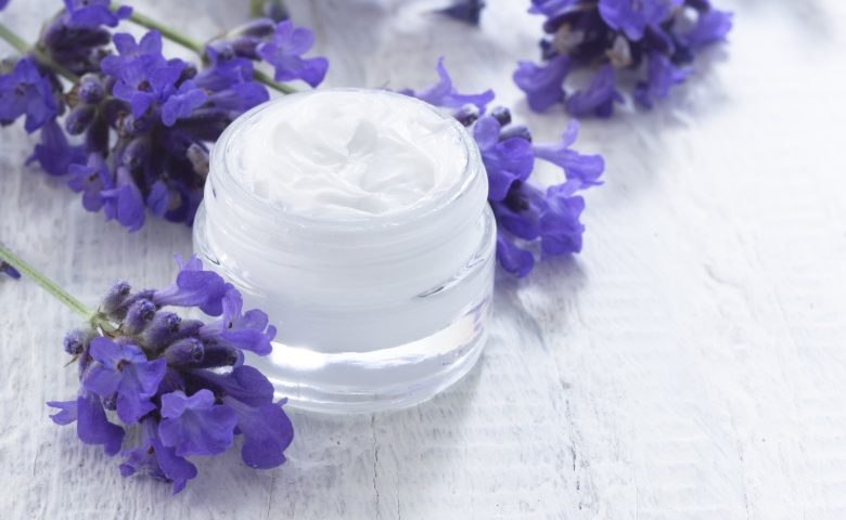 jak przeciwdziałać starzeniu skóry-CodziennikKosmetyczny