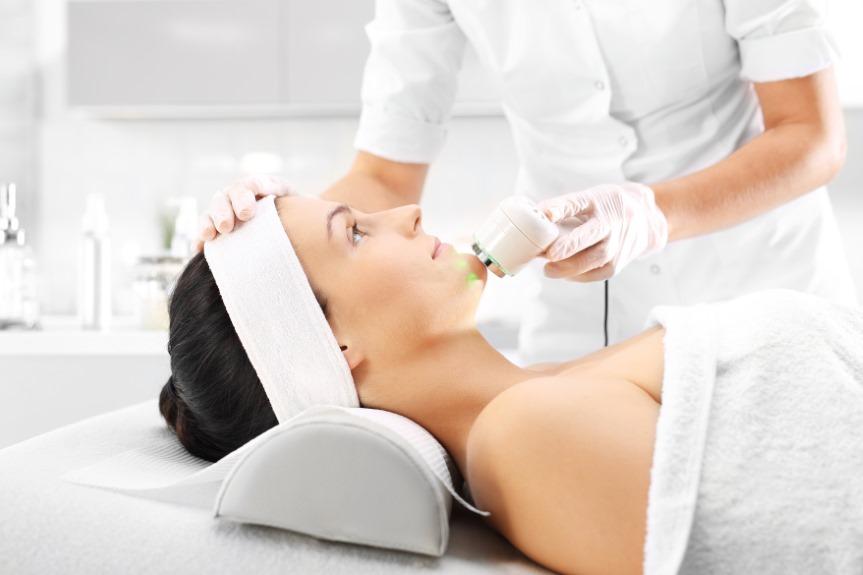Ministerstwo Zdrowia planuje zmiany w salonach kosmetycznych