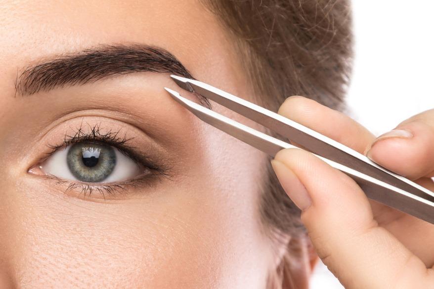 Makijaż brwi-dawniej i dziś-VodziennikKosmetyczny