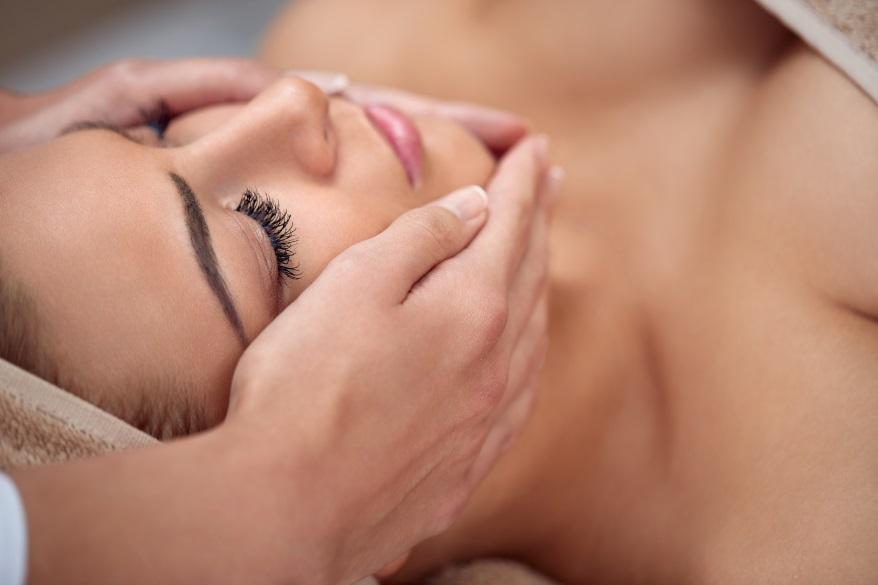 masaż twarzy, gimnastyka twarzy-Codziennik Kosmetyczny