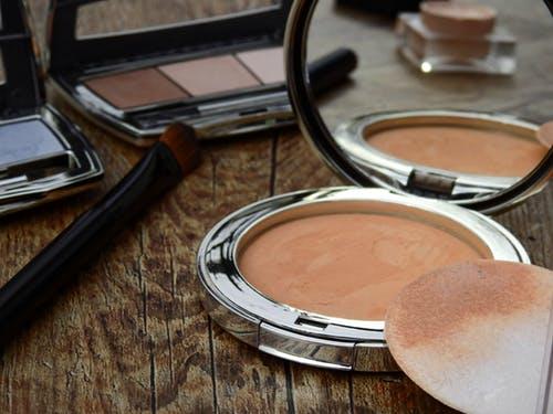 grożne bakterie są w kosmetyczkach-CodziennikKosmetyczny.pl