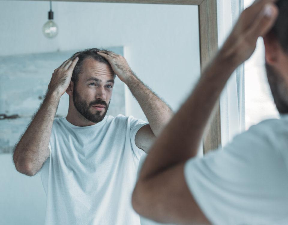Zaburzenia skóry głowy, wypadanie włosów_CodziennikKosmetyczny.pl