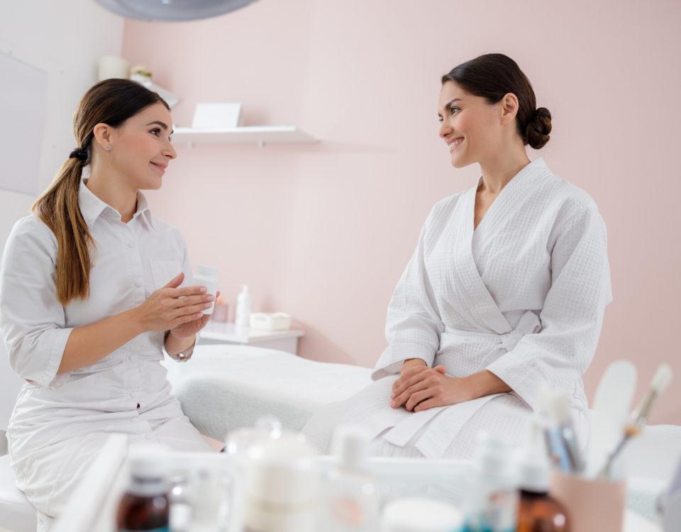 Zawód kosmetologa-kosmetolog jako psychoterapeuta_CodziennikKosmetyczny.pl